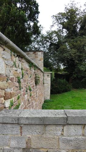 documenta 13, Karlsaue, Kriegerdenkmal