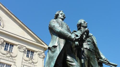 Weimar, Theaterplatz, Zwei Dichter