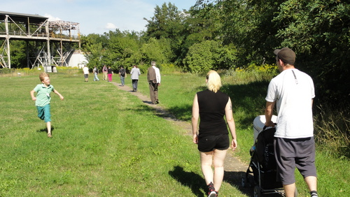 """Walk to the """"Seilscheibenpfeiler"""""""