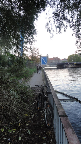 Banks of River Spree Inspection, Towards Jannowitzbrücke