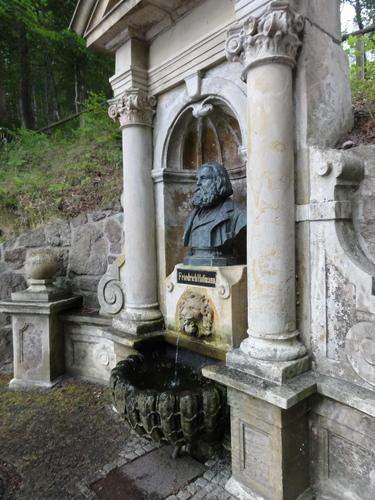 Ilmenau, Goethe Wanderweg, Denkmal Friedrich Hoffmann