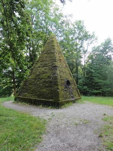 "Kassel-Wilhelmshöhe, Park, ""Cestius-Pyramide"""