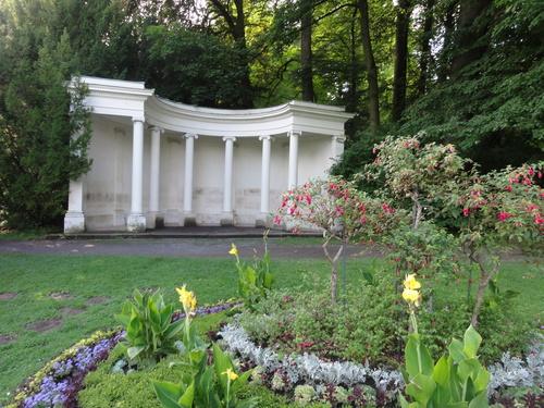 """Kassel-Wilhelmshöhe, Park, """"Halle des Sokrates"""""""